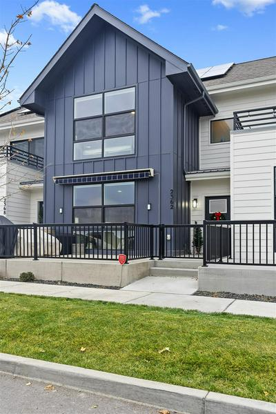 2362 W CENTENNIAL PL, Spokane, WA 99201 - Photo 2
