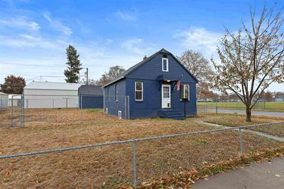 2425 W SINTO AVE, Spokane, WA 99201 - Photo 2