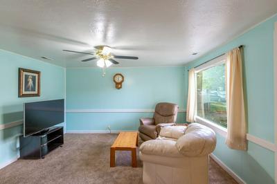 1827 W COLLEGE AVE, Spokane, WA 99201 - Photo 2