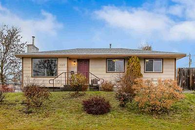 1520 W LACROSSE AVE, Spokane, WA 99205 - Photo 1