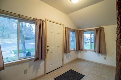1623 W FAIRVIEW AVE, Spokane, WA 99205 - Photo 2