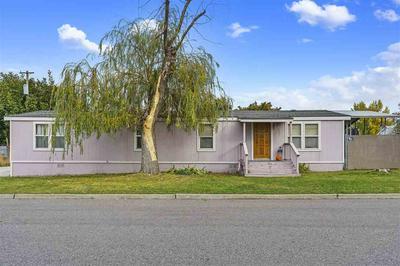 423 S COACH ST, Spokane Valley, WA 99016 - Photo 2