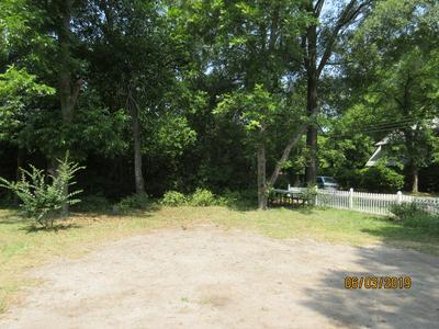 111 CRESCENT AVE, Sumter, SC 29150 - Photo 2