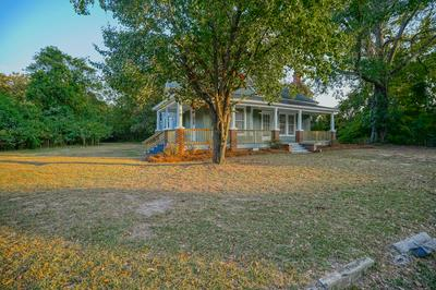 211 S HEYWARD ST, BISHOPVILLE, SC 29010 - Photo 2