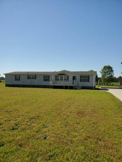 5760 WESSEX DR, Wedgefield, SC 29168 - Photo 1