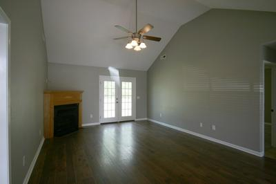 30 ELKHORN CIR, SUMTER, SC 29154 - Photo 2