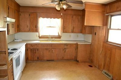 73 PAGE ST, Farmville, VA 23901 - Photo 2