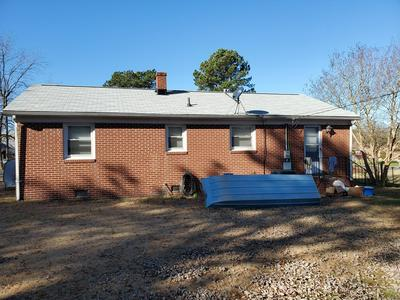 25 RIDGE RD, BLACKSTONE, VA 23824 - Photo 2