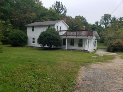 1020 FALLS ST, Blackstone, VA 23824 - Photo 2