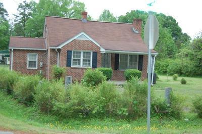 201 N SULLIVAN ST, BLACKSTONE, VA 23824 - Photo 1