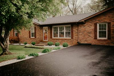 423 W FRAZIER AVE, Columbia, KY 42728 - Photo 2