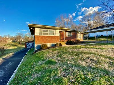 111 GUTHRIE ST, COLUMBIA, KY 42728 - Photo 2