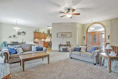 640 S WRENFIELD DR, ANDOVER, KS 67002 - Photo 2