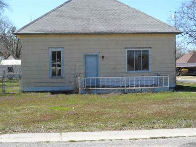 517 N LOGAN ST, Attica, KS 67009 - Photo 1