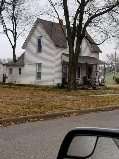 1014 LOWRY ST, Winfield, KS 67156 - Photo 2