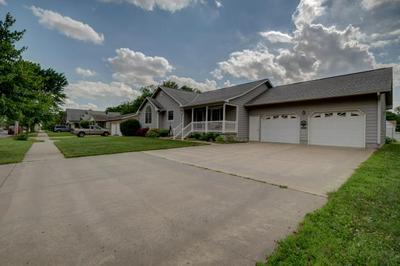 205 S BIRCH ST, Hillsboro, KS 67063 - Photo 2