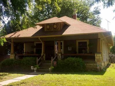 212 PINE ST, Halstead, KS 67056 - Photo 1