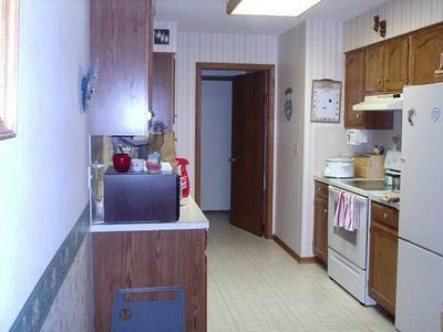 202 W 3RD ST, Halstead, KS 67056 - Photo 2