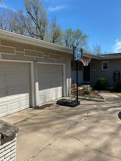 852 N NORMAN ST, WICHITA, KS 67212 - Photo 2
