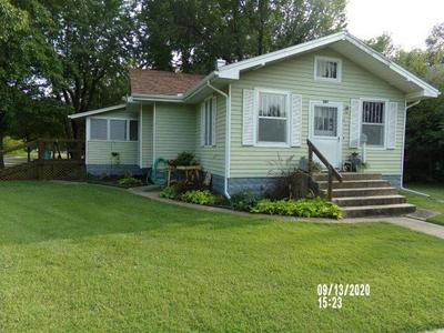 621 E 12TH AVE, Winfield, KS 67156 - Photo 1