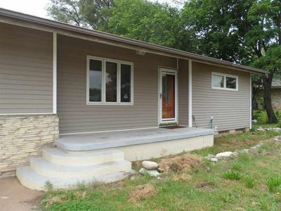 215 W GARFIELD ST, ANTHONY, KS 67003 - Photo 2