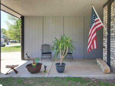 327 PEACH TREE LN, Haysville, KS 67060 - Photo 2