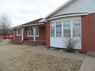 619 W 17TH ST, Harper, KS 67058 - Photo 2
