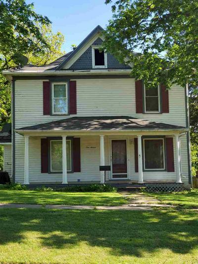116 W 3RD ST, Peabody, KS 66866 - Photo 2