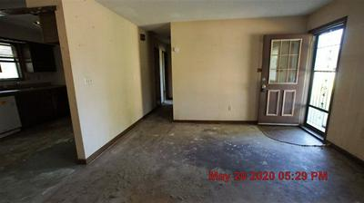 8325 S BROADWAY AVE, Haysville, KS 67060 - Photo 2