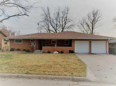 1519 E 14TH AVE, Winfield, KS 67156 - Photo 1