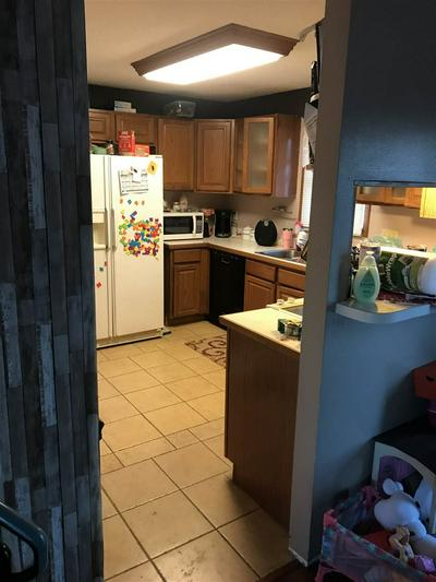 903 N WALNUT ST, Peabody, KS 66866 - Photo 2