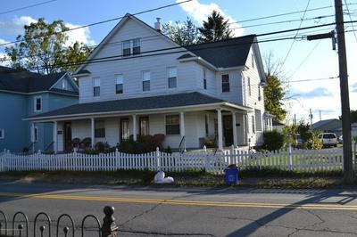 317 KEYSTONE AVE, Peckville, PA 18452 - Photo 2
