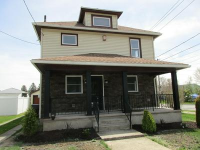 302 MCKINLEY AVE, Jermyn, PA 18433 - Photo 2