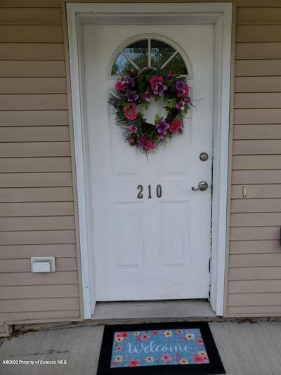 210 PARKEDGE LN, Scranton, PA 18504 - Photo 2