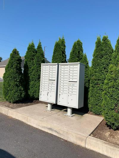 917 ASH ST, Moosic, PA 18507 - Photo 2