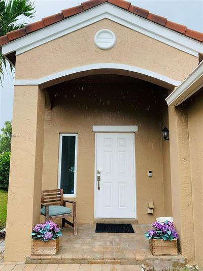 467 TALAVERA RD, Weston, FL 33326 - Photo 2