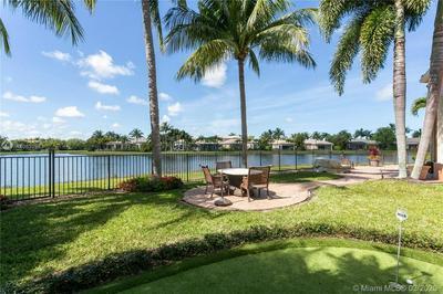 303 TRIESTE DR, Palm Beach Gardens, FL 33418 - Photo 2