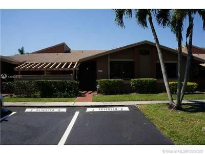459 LAKEVIEW DR, Weston, FL 33326 - Photo 1