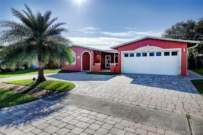 9410 NW 20TH ST, Pembroke Pines, FL 33024 - Photo 2
