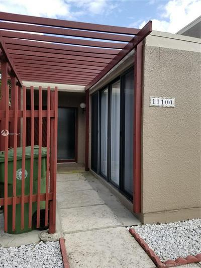 11100 N LAKEVIEW DR # 11100, Pembroke Pines, FL 33026 - Photo 2