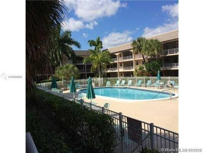 541 BLUE HERON DR APT 215, Hallandale Beach, FL 33009 - Photo 1