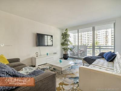 1500 BAY RD APT 462S, Miami Beach, FL 33139 - Photo 2