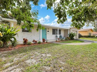 642 S CRESCENT DR, HOLLYWOOD, FL 33021 - Photo 2