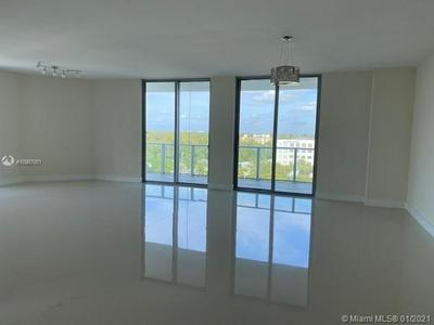 17301 BISCAYNE BLVD APT 902, North Miami Beach, FL 33160 - Photo 2