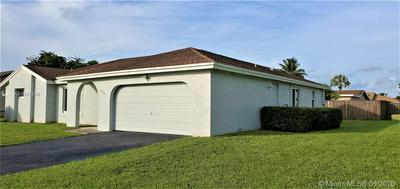 8921 NW 79TH ST, Tamarac, FL 33321 - Photo 2