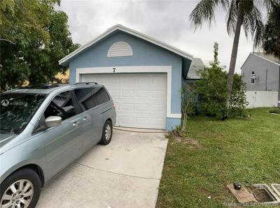 7 RIPLEY WAY 7, Boynton Beach, FL 33426 - Photo 1