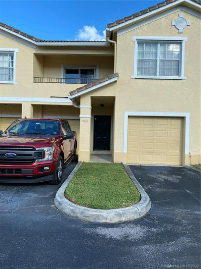 904 BELMONT LN, North Lauderdale, FL 33068 - Photo 2