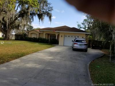 217 SE 5TH AVE, Okeechobee, FL 34974 - Photo 1