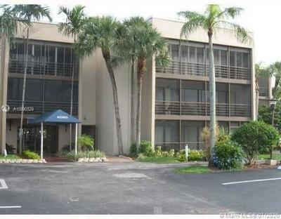 4060 N HILLS DR APT 39, Hollywood, FL 33021 - Photo 1