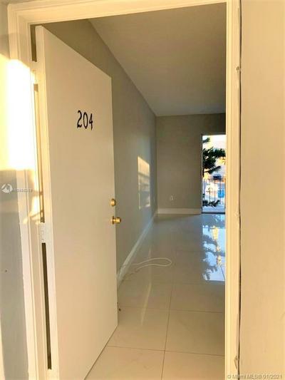 5100 W FLAGLER ST APT 204, Miami, FL 33134 - Photo 1